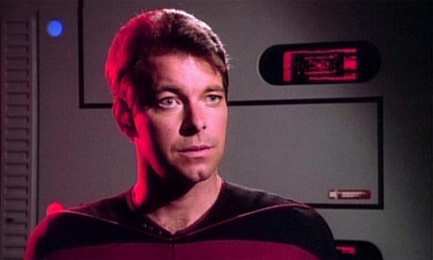 "Jonathan Frakes Directing A Brand New ""V"" Episode"