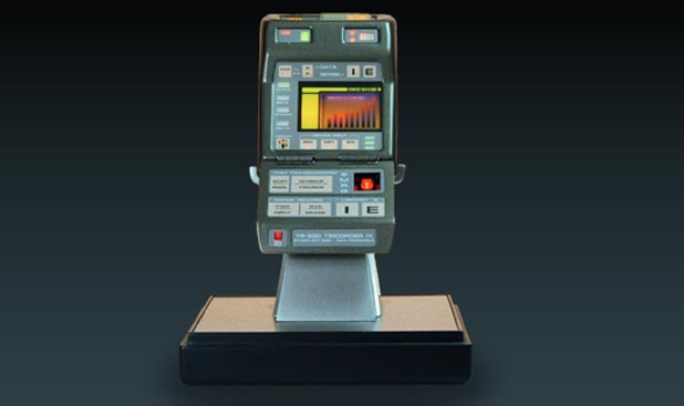 eFX Mark IX Tricorder Available For Pre-order. With Brent Spiner Autograph.